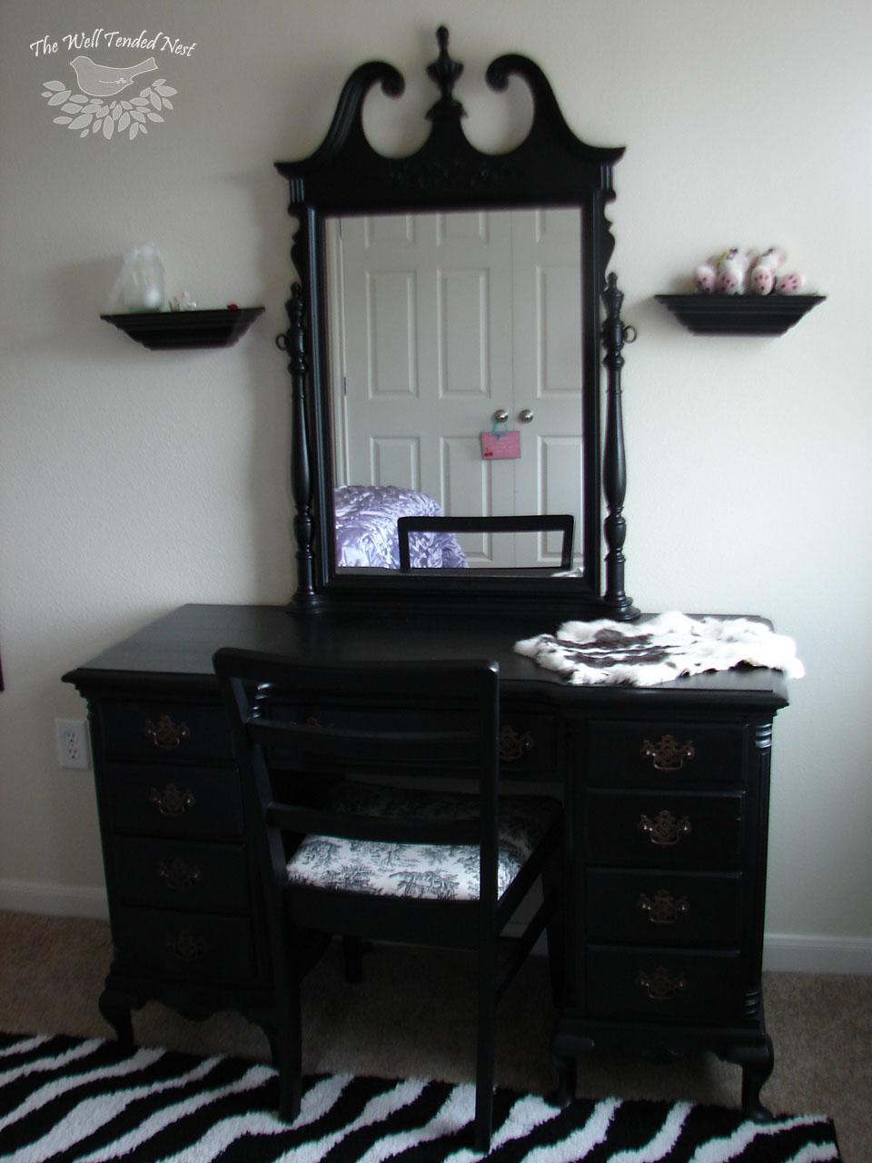Black Bedroom Vanities